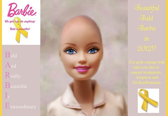 Cum să-i înțelegem pe bolnavii de cancer: Păpuși Barbie fără păr