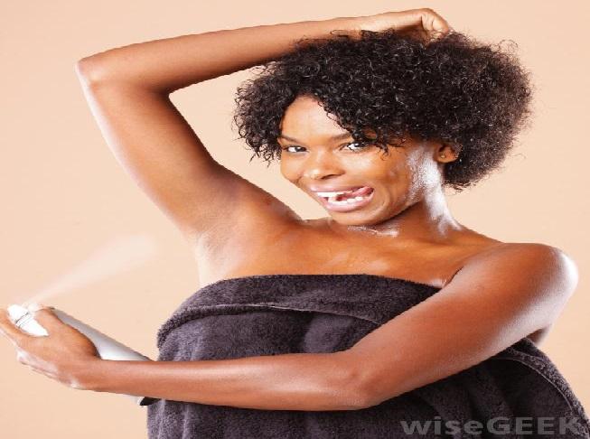 Risc de cancer mamar: feriți-vă de aceste deodorante!