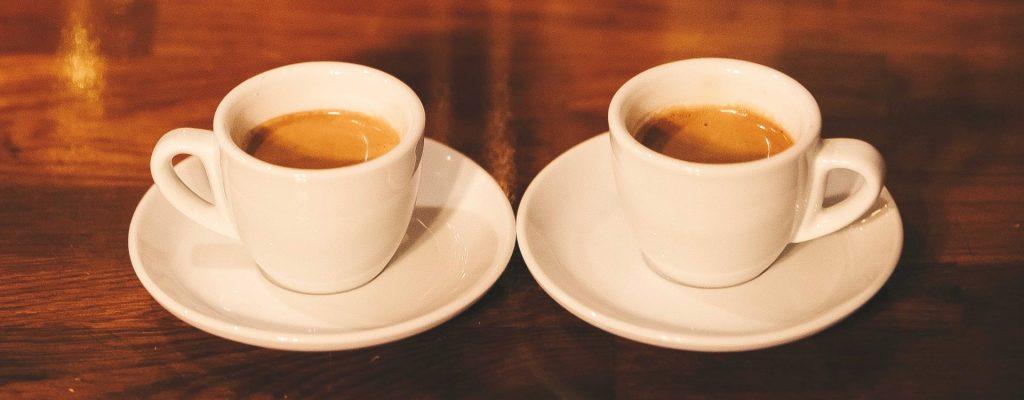 Decesele cauzate de cancer la ficat ar fi mai putine dacă s-ar consuma mai multă cafea