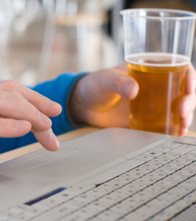 Bei alcool frecvent? Cum poți combate efectele lui asupra sănătății tale