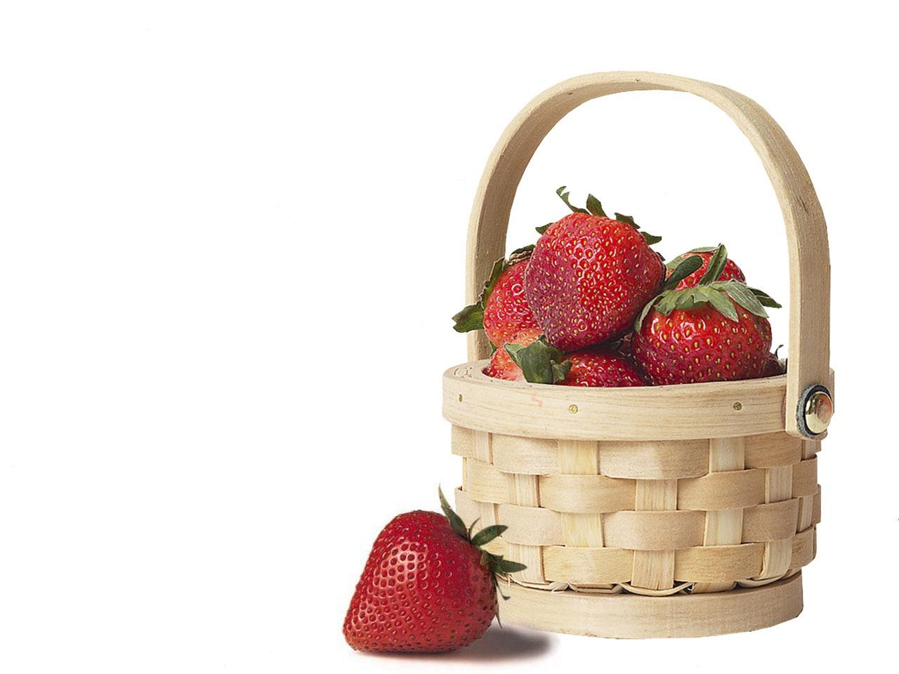 Fructe de primăvară ce ţin cancerul la distanţă?