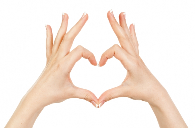 Primul semn de cancer apare pe maini, nu il ignora